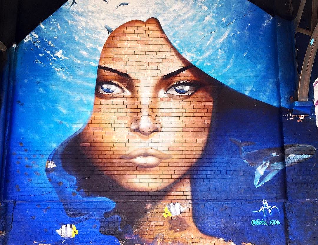 2 de Fevereiro,salve,salve Iemanjá!! Salve,salve,Nossa Sra. dos Navegantes!! **** Arte grafite by #gilzin_faria . Boulevard Olímpico, Centro do Rio. **** February 2nd, Yemanjá's Day,also known as Our Lady of Navigators (catholic). **** Graffiti art by #gilzin_faria ,Olympic Boulevard, Downtown, Rio de Janeiro. **** Yemanja,goddess of the sea. Its origin has African roots and was brought by african slaves. Along the time, the religion syncretism in Brazil made many from other religions respect and also be devoted to Yemanja. **** #riodejaneiro #iemanja #yemanja #syncretism #sincretismo #graffiti #graffitiporn #graffitiart #instagrafite #rio4gringos  #artcore  #streetart_inc  #streetartglobe #globalstreetart  #grafite #urbanart #centrodorio #downtown #streetartrio #streetartbrazil #urbanart #arteurbana #grafitti #boulevardolimpico #streetart #religion #brazil #homegrown #rio2017