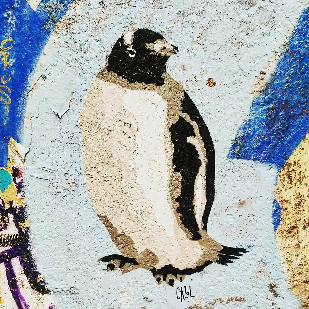 #caz.l #berlin #alexanderplatz #hackeschermarkt #dared #schanzestreetart #straßenporn #hamburg #carolinenviertel #sanktpauli #welovestreetart #strasskunst #dosenkunst #graffiti #urbanart #urbanshit #streetartists #streetart #welovegraffiti #sprühdose #sprühdosenkunst #pasteup #berlin #bilder #streetartists #streetartrio #loveurbanart #loveurban #bochum
