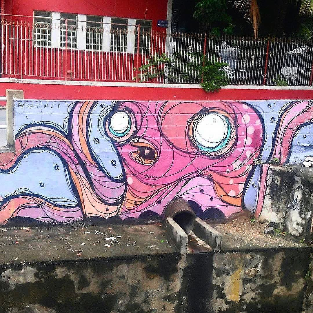 Compartilhado por: @machado.mendonca #StreetArtRio | Mais detalhes da obra, local e artista em: streetartrio.com.br #streetstyle #streetart #streetlife #streets #streetworkout #streetartistry #streetphoto #art #artwork #artstagram #artlife #artista #artworks #artlovers #urban #urbanarts #urbanstyle #urbanwalls #urbanwalls #urbanandstreet #graffiti #graffitiart #graffitiporn #graffitiporn #graffitiwall #graffiticulture #riodejaneiro #rio
