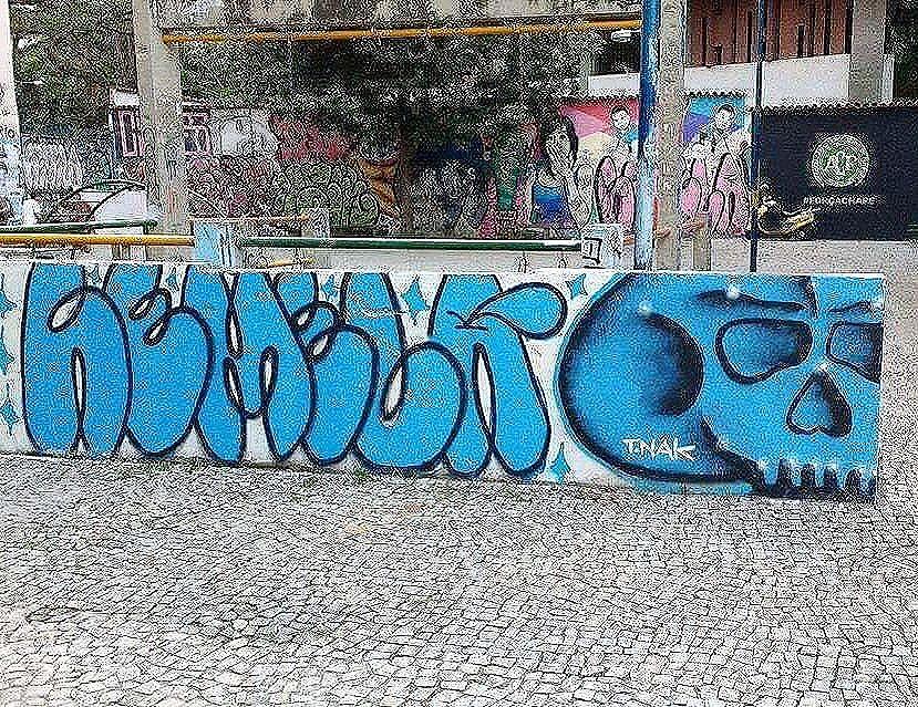 Compartilhado por: @remelattk #StreetArtRio | Mais detalhes da obra, local e artista em: streetartrio.com.br #streetstyle #streetart #streetlife #streets #streetworkout #streetartistry #streetphoto #art #artwork #artstagram #artlife #artista #artworks #artlovers #urban #urbanarts #urbanstyle #urbanwalls #urbanwalls #urbanandstreet #graffiti #graffitiart #graffitiporn #graffitiporn #graffitiwall #graffiticulture #riodejaneiro #rio