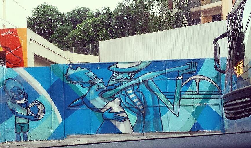 E para quem gosta de Samba e Carnaval que ele seja BOM e com PAZ. Que neste período todas as tribos e gostos sejam respeitados e os dias sejam do BEM e que consigamos nos manter de BOA. (arte no muro da CSSJ - Humaita -RJ ) #olharever #pelasruasdoriodejaneiro #errejota #art #artepelasruas #pintura #paint #paintart #graffiti #graffitiart #graffitipaint  #spray #sprayart #sprayartist #streetartverywhere #streetartlovers #instagrafite  #streetartrio #StreetArtRio #streetartofficial #streetstyle #streetartistry #streephotography #urban #urbanart #urbanstreetart #mural #muralart #instagood #instagramphoto