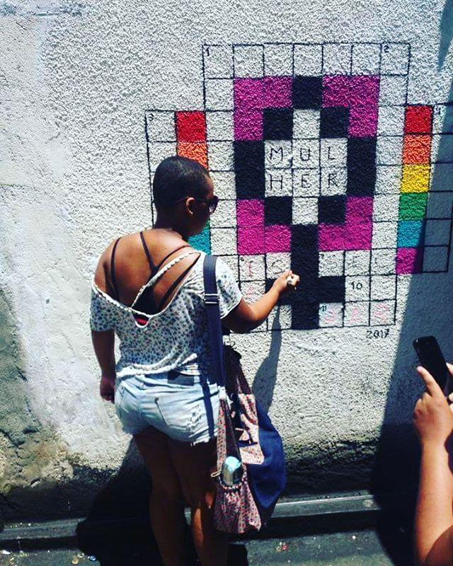 Lapa graffiti tour com @cazearte  #streetart #streetartrio @ #barbudinhoandarilho #instagraffiti #intervenção #caze