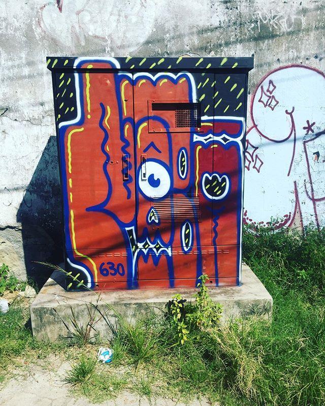 Letras divertidas. #pandronobã #artistasurbamoscrew #ruasdazn #throwups #streetartrio #streetwriters #graffiti #zonanorteetc #ilovegraffiti #ilovebomb #suburbiocarioca #riodejaneiro #classicbomb #nobã #spraypaint 2017