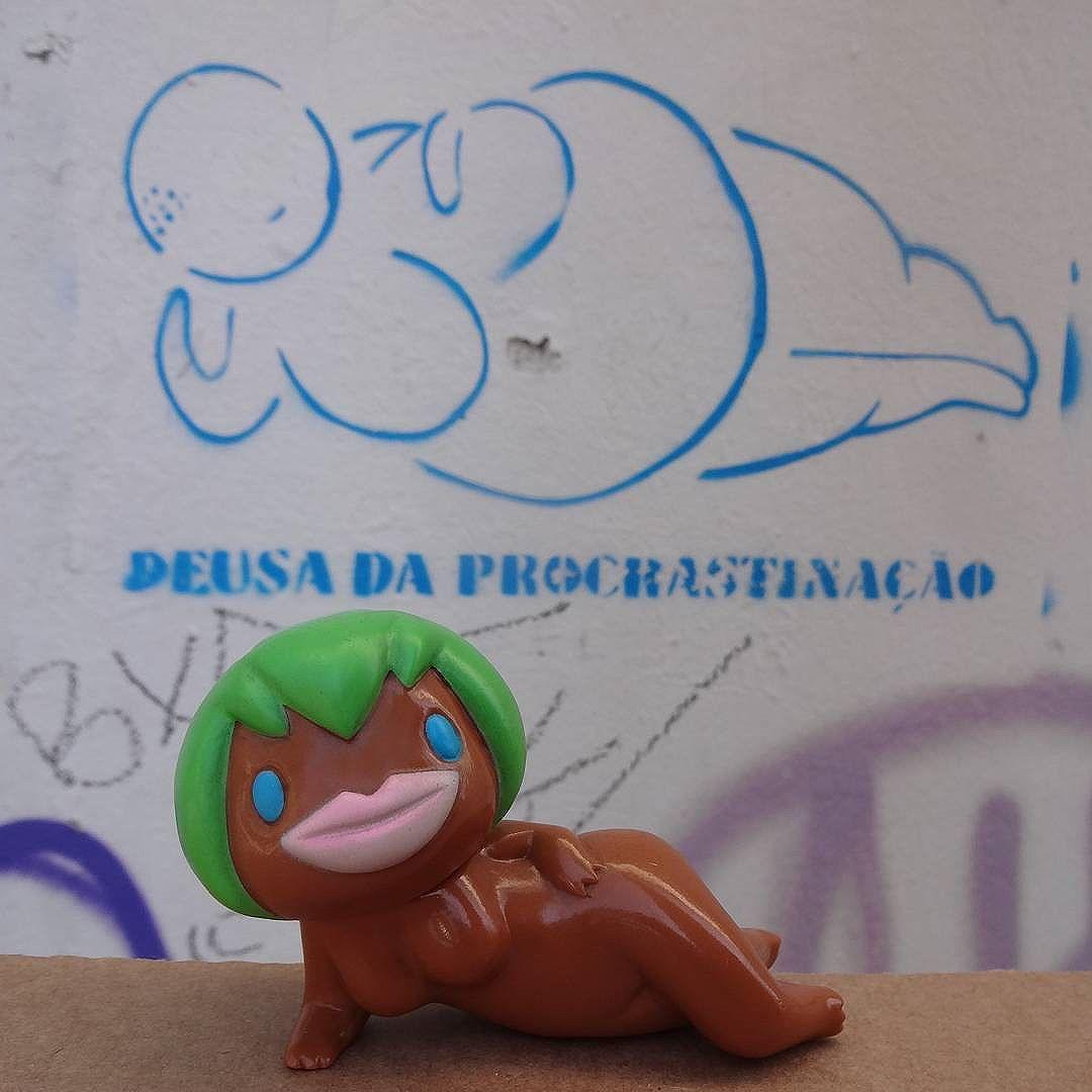 Monday mood. #procrastination #procrastinação #streetartrio #spraypaint #stencil #stencilart #sunguts #sungutsfactory