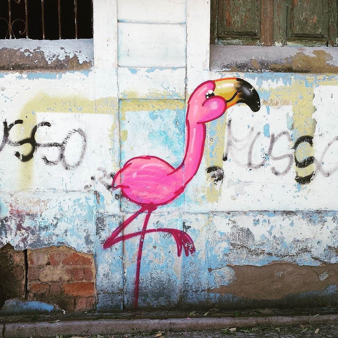 Numa rua no Andaraí ... #olharever #pelasruasdoriodejaneiro #errejota #art #artepelasruas #pintura #paint #paintart #graffiti #graffitiart #graffitipaint  #spray #sprayart #sprayartist #streetartverywhere #streetartlovers #instagrafite  #streetartrio #StreetArtRio #streetartofficial #streetstyle #streetartistry #streephotography #urban #urbanart #urbanstreetart #mural #muralart #instagood #instagramphoto