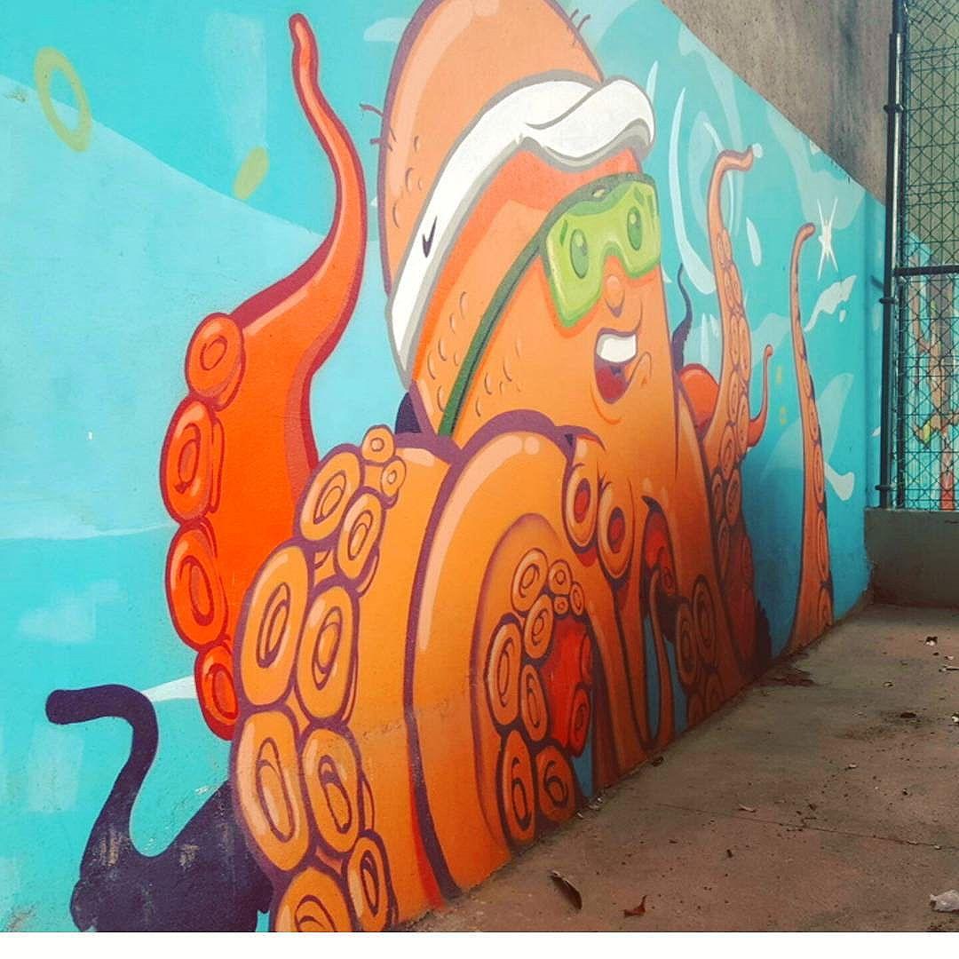 #olharever #instagramphotography #art #artepelasruas #pintura #paint #paint #paintart #graffiti #graffitiart #graffitipaint #graffitartist #graffismo #grafismo # #graffitartists #streetartverywhere #streetartlovers #instagrafite #streetartrio #StreetArtRio #streetartofficial #streetstyle #streetartistry #streephotography #urban #urbanart #urbanstreetart #mural #muralart #instagood #instagramphotography