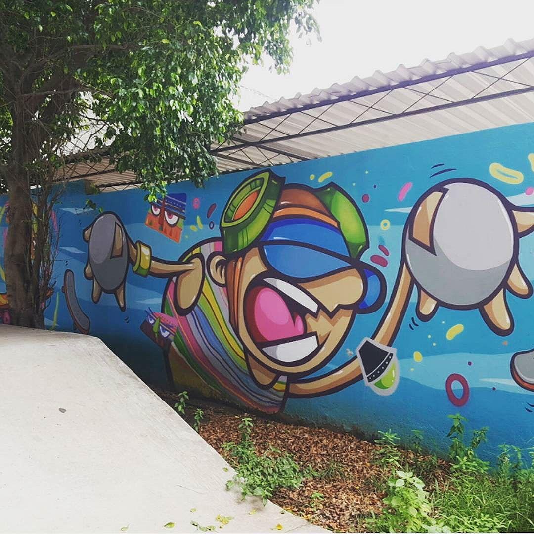 #olharever #pelasruasdoriodejaneiro #art #artepelasruas #pintura #paint #paint #paintart #graffiti #graffitiart #graffitipaint #graffitartist #graffismo #grafismo # #graffitartists #streetartverywhere #streetartlovers #instagrafite #streetartrio #StreetArtRio #streetartofficial #streetstyle #streetartistry #streephotography #urban #urbanart #urbanstreetart #mural #muralart #instagood #instagramphotography