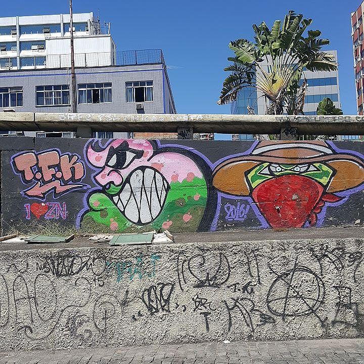 #olharever #pelasruasdoriodejaneiro #art #artepelasruas  #pintura #paint #paintart #graffiti #graffitiart #graffitipaint  #spray #sprayart #sprayartist #graffismo # #grafismo #graffitiart  #graffitipaint #graffitartists #streetartverywhere #streetartlovers #instagrafite  #streetartrio #StreetArtRio #streetartofficial #streetstyle #streetartistry #streephotography #urban #urbanart #urbanstreetart #mural #muralart