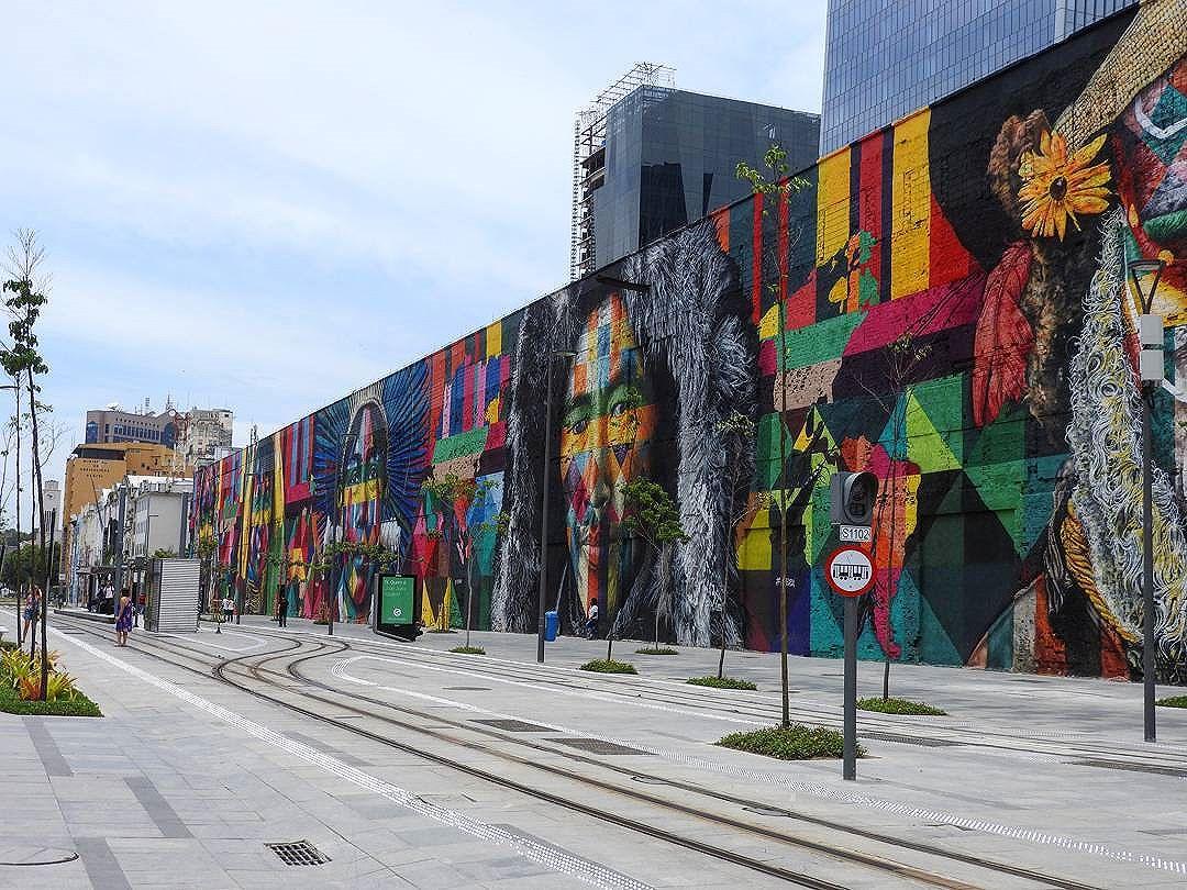 Painel maravilhoso!  @kobrastreetart . . #kobra #portomaravilha #rjdosmeusolhos #esseemeurio #carioquissimo #jornaloglobo #cariocandonorio #ig_riodejaneiro_ #rioenquadrado #riowanderland #registrosdorio #vida_carioca #amofotografar #rioeuamoeucuido #conservacaorio #prefeituradorio #brstreet #streetartrio #arteurbana #brurbanlandscape #ceuazulbr #brskies #colorindoinstagram #brarts #brasil_photolovers #_photographic_world