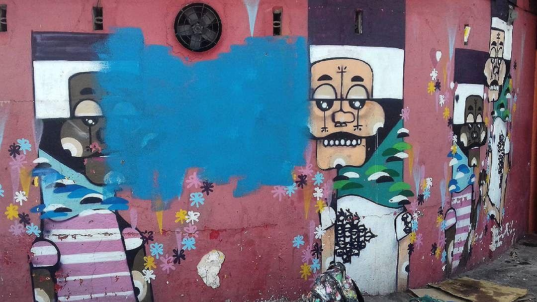 Renovar e sempre bom. @maumeks_1  #adrianolenda #lenda #mundodeilusoes #streetart #arturbana #urbanart #rua #saopaulo #sp #instagraffiti #ingf #streetartrio #graffitireal #original #instagraff #graff #graffitart #latex #rolo #sprayart #instagood #style #besidecolors #misturaurbana #splovers