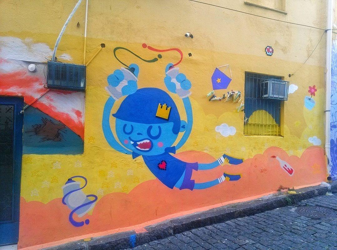 #StreetArtRio  Grafite na Ladeira do Castro, em Santa Teresa. Artistas: Nadi (@nadigraffiti) e 8-bitch Project (@project8bitch) Tirada em 02/04/2016 ____________________________________  Quer conhecer mais obras destes artistas e de tópicos relacionados? Explore mais em: #g021_nadi #g021_8bitch #g021_outrastecnicas  #g021_grafiteiras