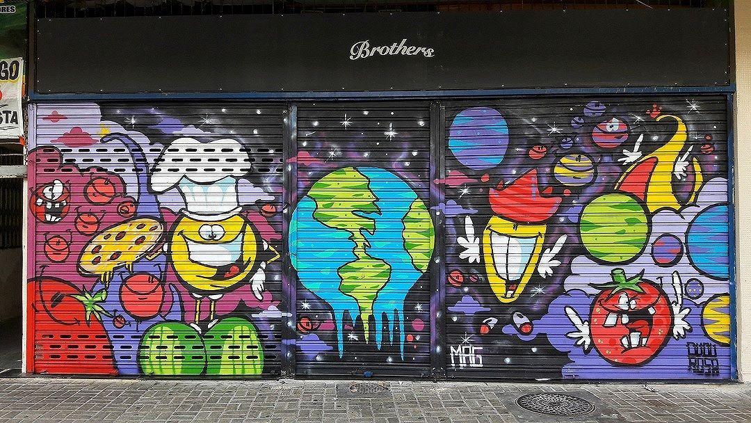 #StreetArtRio  Grafite na rua Barão de Mesquita, entre a Rua Uruguai e a rua Barão de Itaipú, no Andaraí. Artista: Dudu Rosa (@dudurosa) e Mag (@magjetmaniaco)  Tirada em 10/09/2016 ____________________________________  Quer conhecer mais obras destes artistas e de tópicos relacionados? Explore mais em: #g021_dudurosa #g021_mag