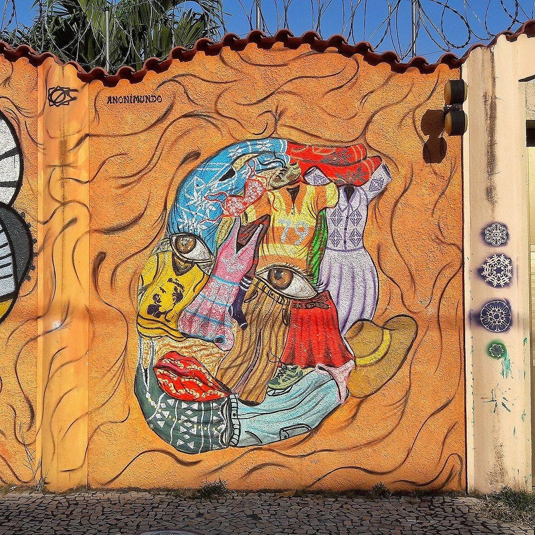 #StreetArtRio  Grafite na rua Ferreira Pontes, entre as ruas Gastão Penalva e Barão de Mesquita, no Andaraí. Artista: Anonimundo ( #anonimundo) Tirada em 10/09/2016 ____________________________________  Quer conhecer mais obras deste artista e de tópicos relacionados? Explore mais em: #g021_anonimundo
