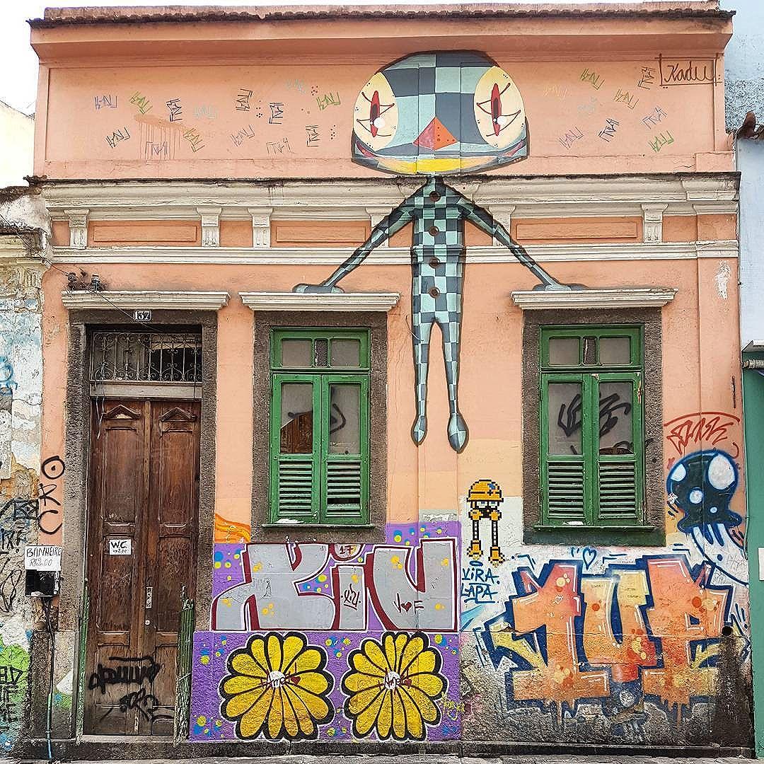 #streetartrio #streetphotography #streetarteverywhere #streetart #urbanphotography #urban #urbanart #nofilter #wallart #gallerywall #photoart #artwall #mobilephotography #s7edge #picoftheday #graffitiart #graffiti #riodejaneiro #rio #rj