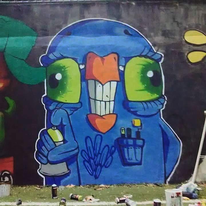27 de Março. Dia do Graffiti. Uma Homenagem da Familia 5 à todos os Artistas da Rua.  5ORIGINAL DA RUA. ORIGINAL DO RIO. A ARTE URBANA VIVE. ANTIGOS & ATUAIS. ALÉM DOS MUROS. NADA MUDA NOSSA CONDUTA.  #5estrelas11anos #poolparty #terrordorio #bondedotavala #pixacaocarioca #pixadores #vandals #underground #uniaodetribos #alemdosmuros #antigoseatuais #originaldarua #streetartrio #urbanart #vyvah #bondedovuca #vandalismo #xrf #pixo #xarpi #rap #graffiti #fivestars #tudo5 #midia #tag #culturaderua #rj #021 #brasil