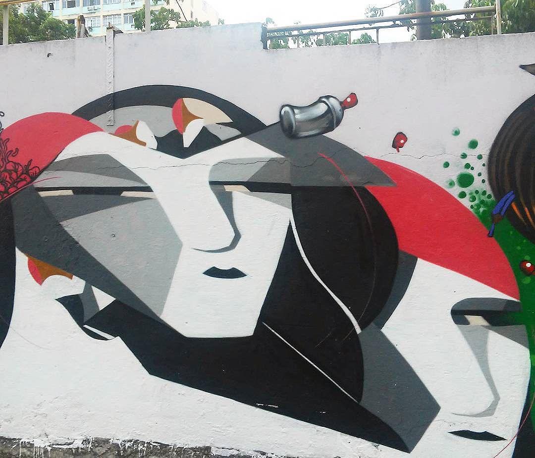 @memiguilherme #memiguilherme #streetart #StreetArtRio #streetartrj #urbanart #urbanwalls #wallart #arturbain #artderue #artecallejero #arteenlascalles #arteurbana #artederua #graffiti #graffitia #graffitiporn #instagraffiti #grafite #grafiterj #instagrafite #downtownrio #centrorj #centrodorj #centrodorio #centrodacidade #centrodacidaderj
