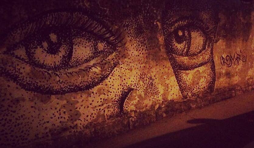 Artista : @romastreetart  #pontilhismo #graffirio #graffiticarioca #streetartrio #arteurbana #streetartist #sprayart #aerosolart #be_one_urbanart #alleyesonme #globalstreetart #instagrafite #streetart_official #instagraff #streetart_daily #urbanartist