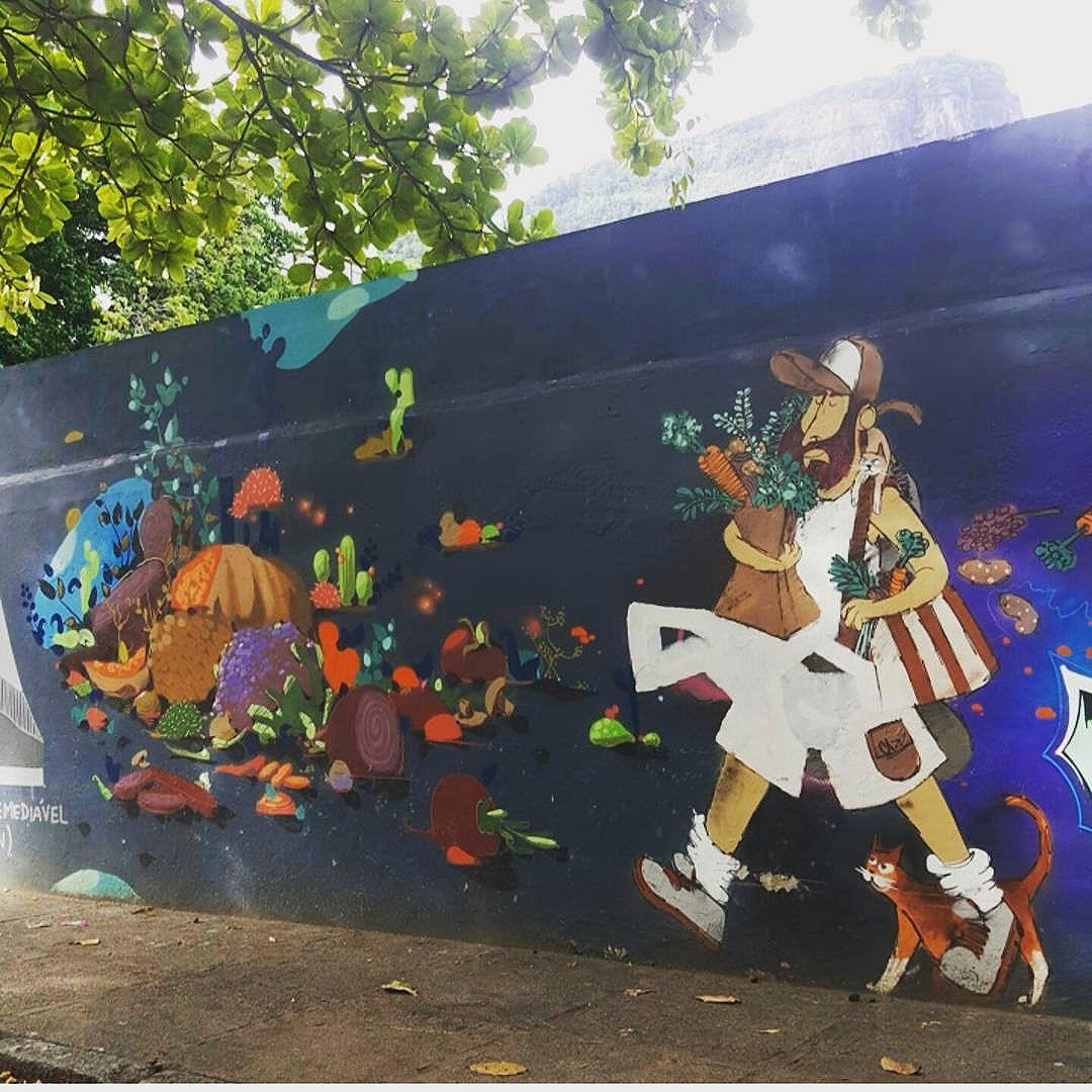Barbudino - Lagoa Rodrigo de Freitas  #olharever #pelasruasdoriodejaneiro #errejota #art #artepelasruas #pintura #paint #paintart #graffiti #graffitiart #graffitipaint  #spray #sprayart #sprayartist #streetartverywhere #streetartlovers #instagrafite  #streetartrio #StreetArtRio #streetartofficial #streetstyle #streetartistry #streephotography #urban #urbanart #urbanstreetart #mural #muralart #instagood #ınstagramphotography