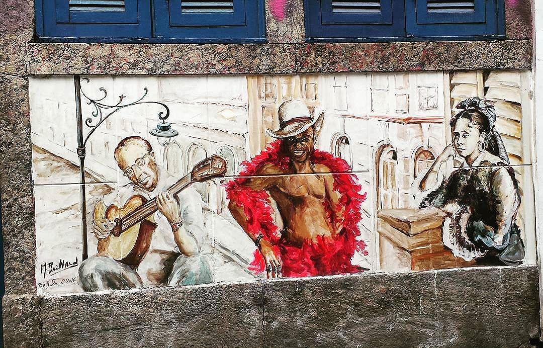 Centro da cidade  #olharever #pelasruasdoriodejaneiro  #errejota #art #artepelasruas #pintura #paint #paintart #graffiti #graffitiart #graffitipaint  #spray #sprayart #sprayartist #streetartverywhere #streetartlovers #instagrafite  #streetartrio #StreetArtRio #streetartofficial #streetstyle #streetartistry #streephotography #urban #urbanart #urbanstreetart #mural #muralart #instagood #instagramphoto