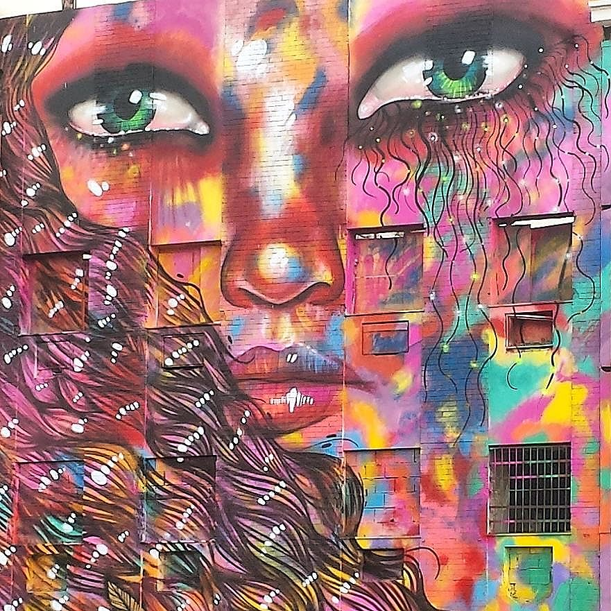 #DiaInternacionaldaMulher  #porainorio #igesrio #instario #aboutrio #rioetc #rioantigo #registrosdorio #visitrio #centrodorio #diariodorio #vejario #orionaoesopraia #graffiti #riodejaneiro #streetartrio #streetart #cores #urbanart #arteurbana #art