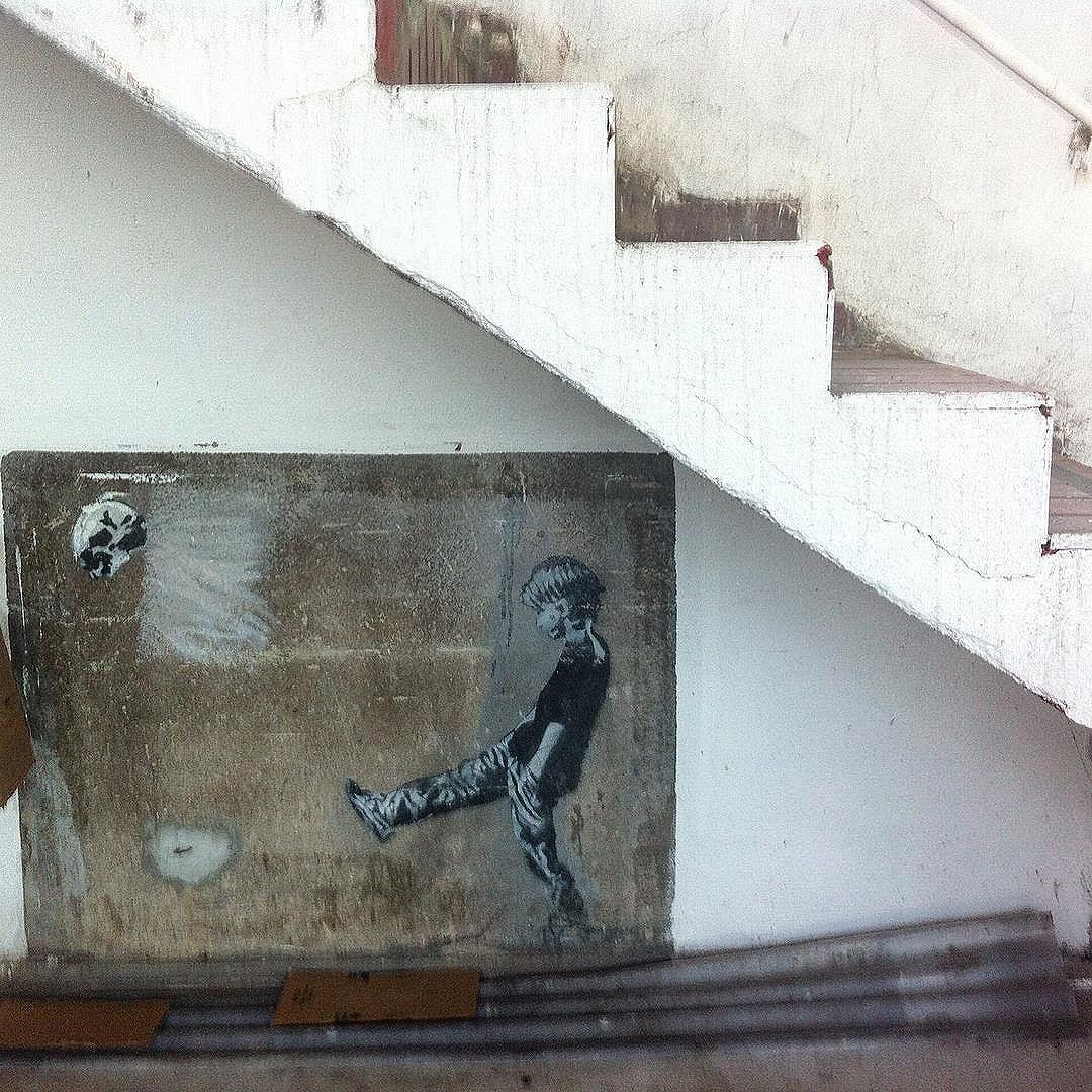 #grafite #grafitti #graffitiporn #graffitiart #graffitiigers #graffitigram #instagraffiti #streetart #art #streetartrio #streetarteverywhere #streetartistry #streetartbrazil #artederua #arteurbana #urbanart #intervencaourbana #graff #bhering