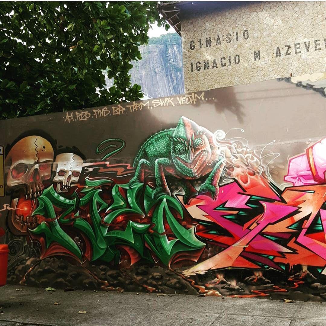 Lagoa Rodrigo de Freitas  #olharever #instagramphotography #art #artepelasruas #pintura #paint #paint #paintart #graffiti #graffitiart #graffitipaint #graffitartist #graffismo #grafismo # #graffitartists #streetartverywhere #streetartlovers #instagrafite #streetartrio #StreetArtRio #streetartofficial #streetstyle #streetartistry #streephotography #urban #urbanart #urbanstreetart #mural #muralart #instagood #ınstagramphotography