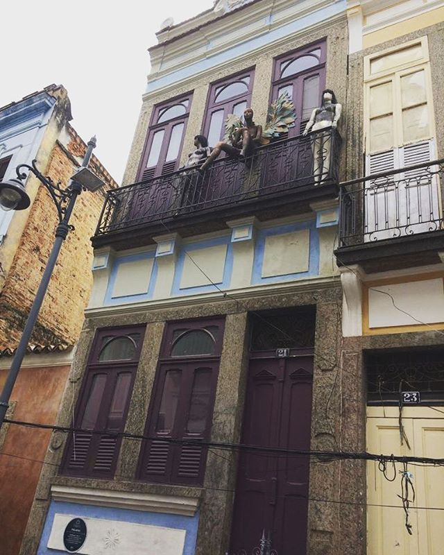 #olharever #pelasruasdoriodejaneiro #errejota #architecture #arquitetura  #art #artepelasruas #pintura #paint #paintart #graffiti #graffitiart #graffitipaint  #spray #sprayart #sprayartist #streetartverywhere #streetartlovers #instagrafite  #streetartrio #StreetArtRio #streetartofficial #streetstyle #streetartistry #streephotography #urban #urbanart #urbanstreetart
