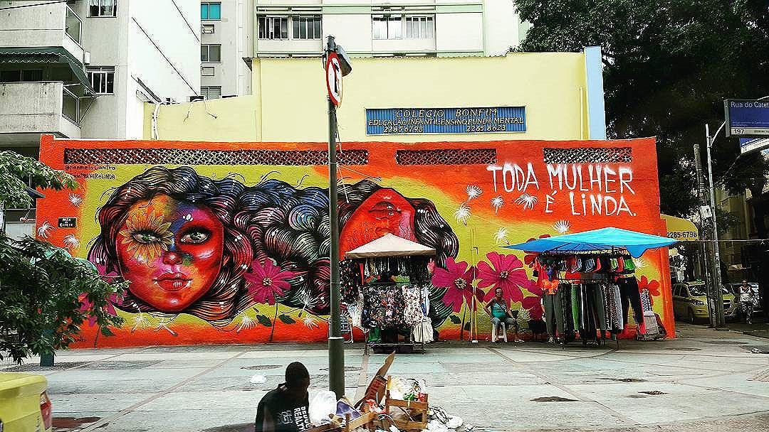 TODA MULHER É LINDA !!! Semana da Mulher, dia da Mulher é TODO DIA !!!! Panmela Castro Graffiti  Rua do Catete - Flamengo  #olharever #pelasruasdoriodejaneiro #errejota #art #artepelasruas #pintura #paint #paintart #graffiti #graffitiart #graffitipaint #spray #sprayart #sprayartist #streetartverywhere #streetartlovers #instagrafite #streetartrio #StreetArtRio #streetartofficial #streetstyle #streetartistry #streephotography #urban #urbanart #urbanstreetart #mural #muralart #instagood #ınstagramphotography
