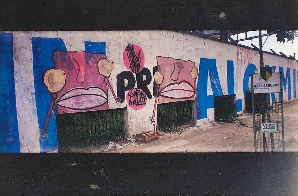 Zona Sul - 2000! Muro do aeroporto , chupa Alckmin.