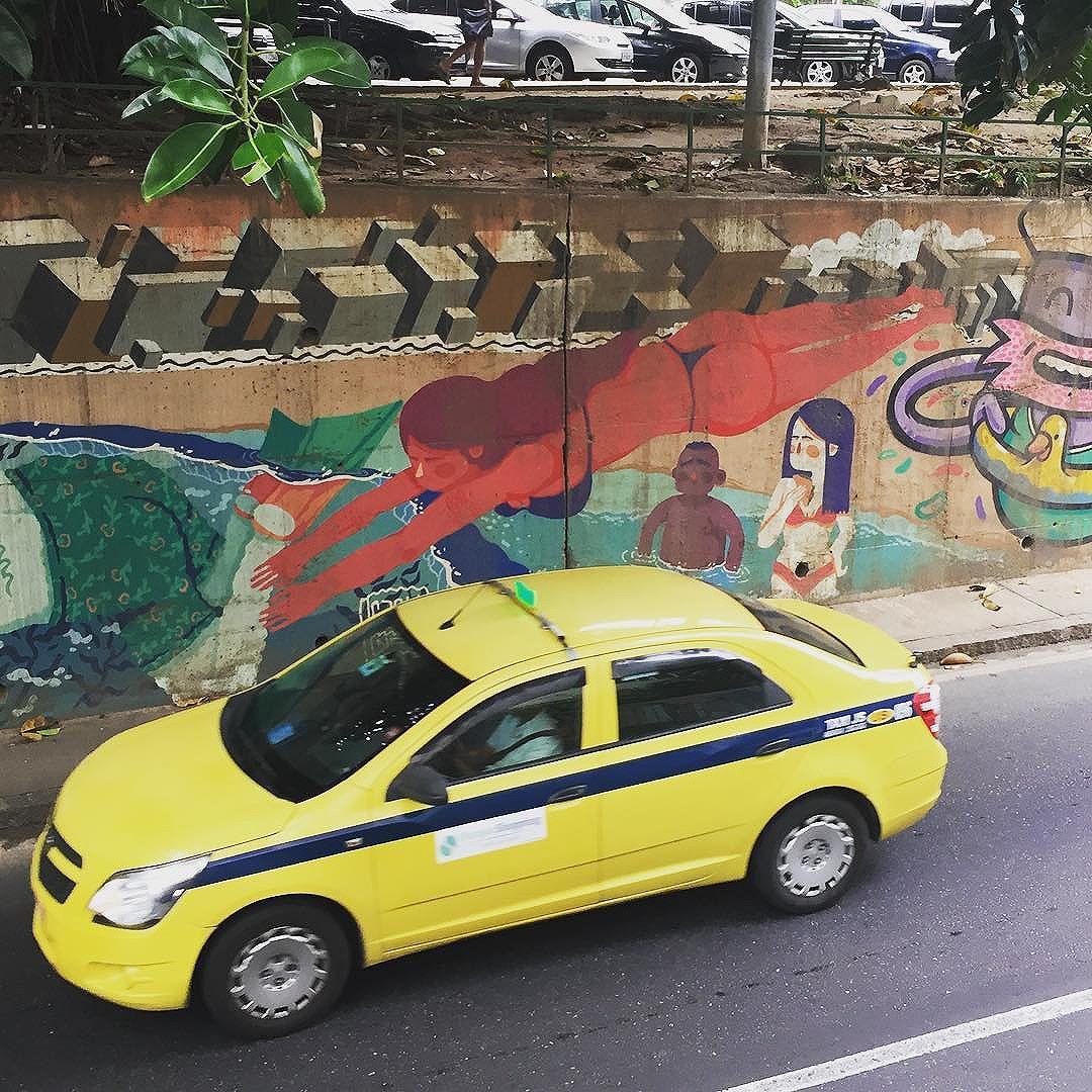 a diving #rio #rj #riodejaneiro #streetart #streetartrio #instagraff #grafflover #riogram