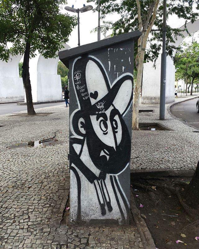 Barbudino na Lapa  #olharever #pelasruasdoriodejaneiro #art #artepelasruas #pintura #BlackWhite #paintblackwhite #paintart #graffiti #graffitiart #graffitipaint  #spray #sprayart #sprayartist #streetartverywhere #streetartlovers #instagrafite  #streetartrio #StreetArtRio #streetartofficial #streetstyle #streetartistry #streephotography #urban #urbanart #urbanstreetart #mural #muralart #instagood #instagramphoto