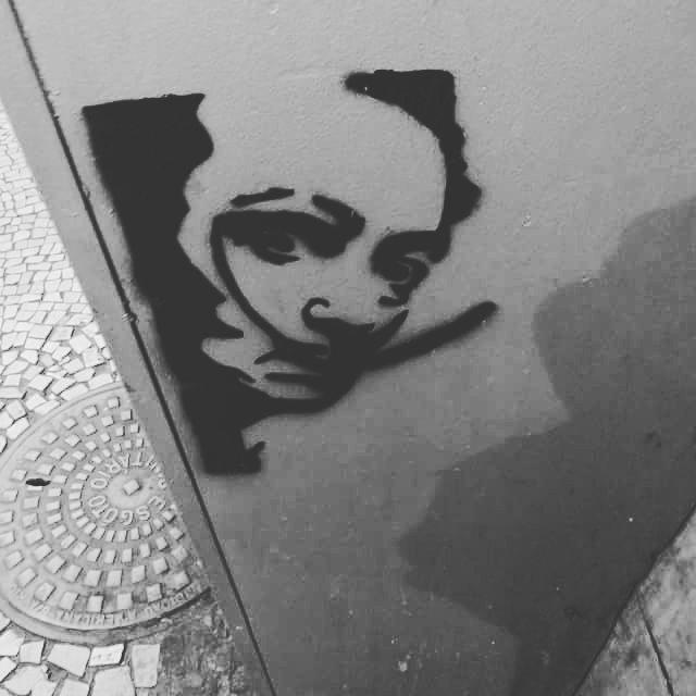 #stencil #stencilart #stencilartist #streetphotography #streetartglobe #streetartist #streetarteverywhere #ofantasticomundodografite #streetartrio #tijukistan #salvadordali #surrealismo