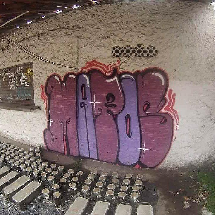 Toma !  #mattosartes #bombatack #vandalrj #streetartrio #graffitibomb #throwup #streetart #streetstyle #lifestreet #graffitiworld