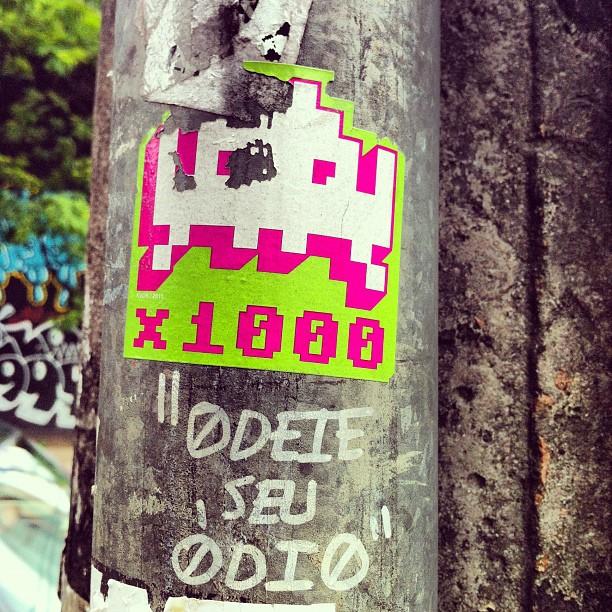 #artinmoviment #art #artdelarue #streetart #sp #streetartsp #stick