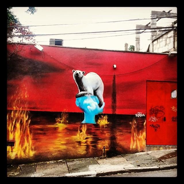 #eduardokobra #graffitisp #esquinasp #galeriamink #urbanart #streetartsp #brazilianart #aquecimentoglobal #vilamadalena #vilamundo #olharesdesampa #rua #instagraffiti #photograffiti #arte #saopaulo #saopaulocity
