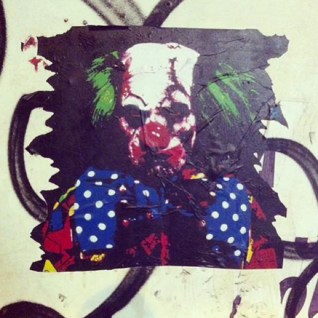 Medo acumulado mode on  #oqueasruasfalam #asruasfalam #instagood #instalove #instalike #instasampa #cool #bestoftheday #pelasruasdesampa #iphonesia #instagrafite #pelasruas #pixo #spray #rua #avozdasruas #osmurosfalam #street #streetartsp #grafite #palhaço #ilustracao