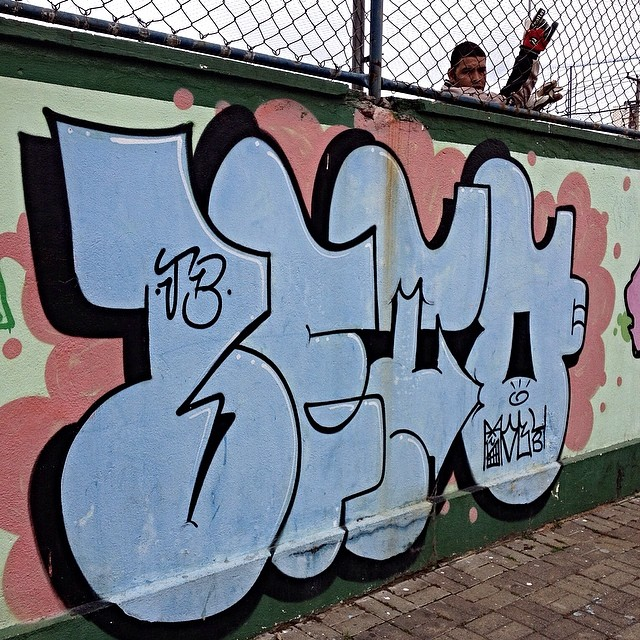 CDC Tide Setubal - São Miguel Paulista - São Paulo #bombing #trhowup #cdctidesetubal #streetartsp #streetartsaopaulo #streetarbrazil #sampagraffiti #graffitimagazine #dopeshotbro #DSB_Graff #streetartandgraffiti #urbanart #graffiti #grafite #coolsampa #rsa_graffiti #azstreetart #azgraffiti #streetartshots #streetartuncovered #instagrafite #beoriginal #milagres #graffitidesign