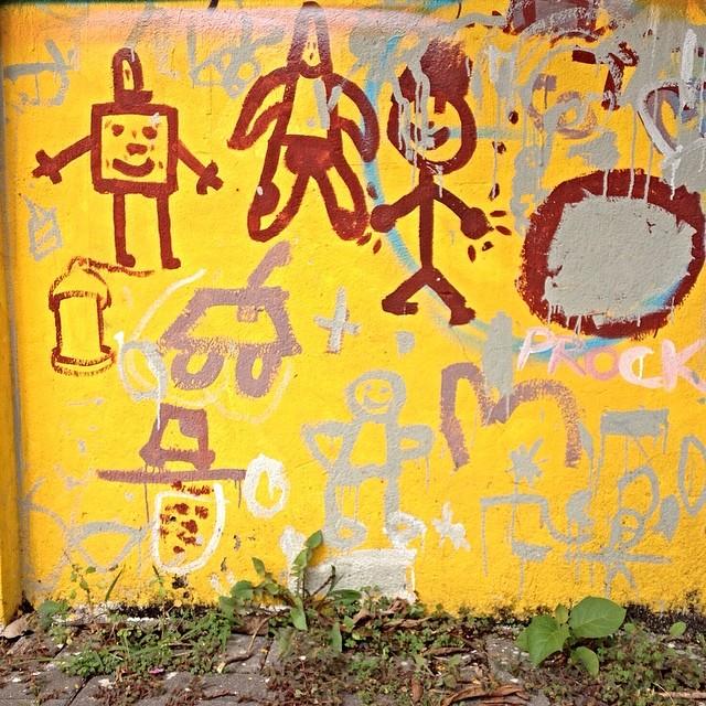 Child's play CDC Tide Setubal - São Miguel Paulista - São Paulo #cdctidesetubal #streetartsp #streetartsaopaulo #streetarbrazil #sampagraffiti #graffitimagazine #dopeshotbro #DSB_Graff #streetartandgraffiti #urbanart #graffiti #grafite #coolsampa #rsa_graffiti #azstreetart #azgraffiti #streetartshots #streetartuncovered #instagrafite #beoriginal #milagres #graffitidesign