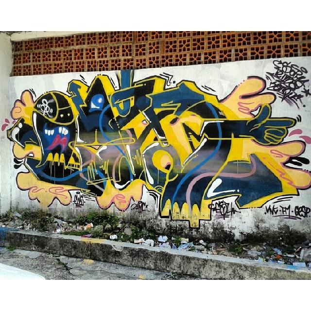 #coolsampa #vimural #ilovesaopaulo #streetart #graffiti #igerssaopaulo #instagrafite #graff #graffiti_magazine #amorpaulista #chiquesnourtemo #wallfilth #wallpainting #wallart #stencil #dr_tagurit #streetartsp #DSB_Graff #sampagraffiti #DopeShotBro #tv_streetart #rsa_graffiti #bomb #tag