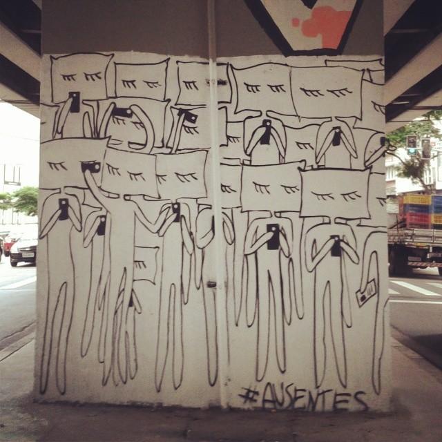 #coolsampa #vimural #ilovesaopaulo #streetart #graffiti #igerssaopaulo #instagrafite #graff #streetartshots #rsa_graffiti #graffiti_magazine #amorpaulista #chiquesnourtemo #wallfilth #wallpainting #wallart #stencil #dr_tagurit #streetartsp #DSB_Graff #sampagraffiti #DopeShotBro