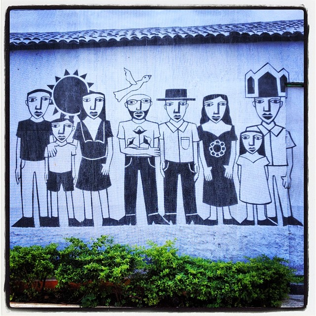 Derlon paste up #derlon #pasteup #lambelambe #beneditocarlixto #pinheiros #streetartsp #streetart #artesp #artedarua #jacktwo #urbanart #mural #wall #blackandwhite #sampa #saopaulo #saopauloart