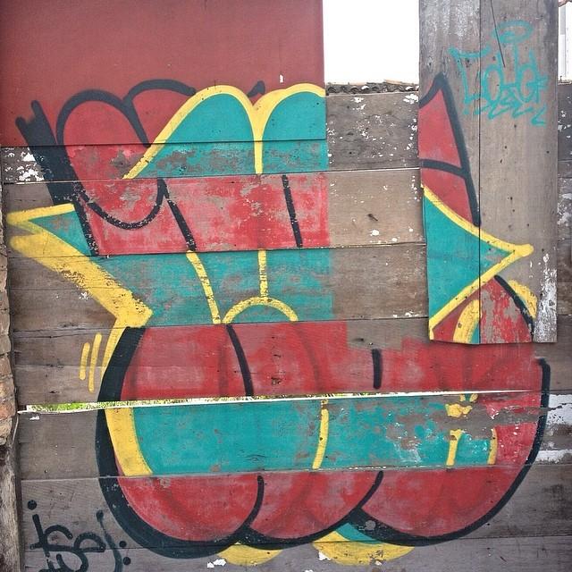 Ise Tatuapé - São Paulo #bombing #trhowup #streetartsp #streetartsaopaulo #streetarbrazil #sampagraffiti #graffitimagazine #dopeshotbro #DSB_Graff #streetartandgraffiti #urbanart #graffiti #grafite #coolsampa #rsa_graffiti #azstreetart #azgraffiti #streetartshots #streetartuncovered #instagrafite #beoriginal #milagres #graffitidesign #instagraff #i_support_street_art #wall #isuportstreetart #streetart #graff #sprayart