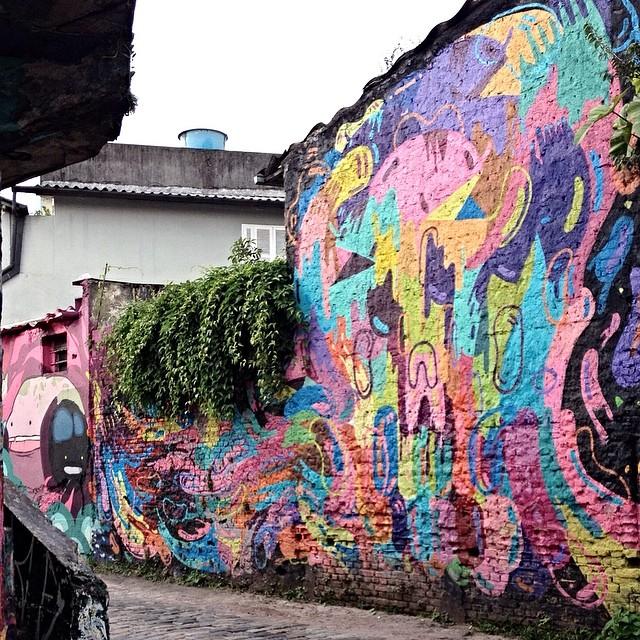 Vila Madalena - São Paulo #streetartsp #streetartsaopaulo #streetarbrazil #sampagraffiti #graffitimagazine #dopeshotbro #DSB_Graff #streetartandgraffiti #urbanart #graffiti #grafite #coolsampa #rsa_graffiti #azstreetart #azgraffiti #streetartshots #streetartuncovered #instagrafite #beoriginal #graffitidesign #instagraff #i_support_street_art #wall #isuportstreetart #streetart #graff #sprayart #tv_streetart