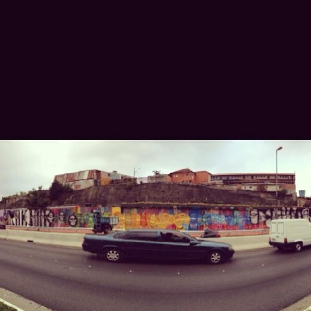 até limousine na frente do bagui. #sola #solagraffiti #4km #projeto4km #procuresaber #streetart #streetartsp