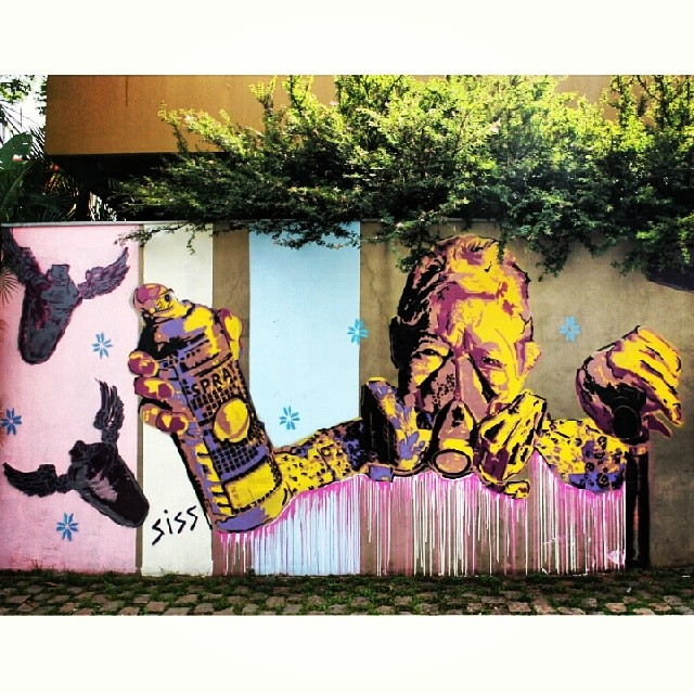 #coolsampa #vimural #ilovesaopaulo #streetart #graffiti #igerssaopaulo #instagrafite #graff #graffiti_magazine #amorpaulista #chiquesnourtemo #wallfilth #wallpainting #wallart #stencil #dr_tagurit #streetartsp #DSB_Graff #sampagraffiti #DopeShotBro #tv_streetart #rsa_graffiti #bomb #tag #urbanart #wallart @graffiti_design #graffiti_design