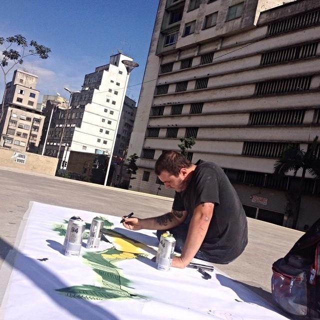 Mudo Combata o Cinza @eduardosrur @converse_br #combataocinza #mudo #streetartsp #streetartsaopaulo #streetarbrazil #sampagraffiti #graffitimagazine #dopeshotbro #DSB_Graff #streetartandgraffiti #urbanart #graffiti #grafite #coolsampa #saopaulosao