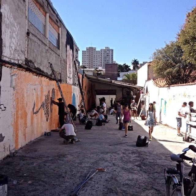 Harmonia Graffiti Park - Vila Madalena - São Paulo #a7tma #streetartsp #streetartsaopaulo #streetarbrazil #sampagraffiti #graffitimagazine #dopeshotbro #DSB_Graff #streetartandgraffiti #urbanart #graffiti #grafite #coolsampa #rsa_graffiti #streetart #graffiti #grafite #streetartshots #streetartuncovered #graffitidesign #instagraff #i_support_street_art #isuportstreetart #streetart #sprayart #tv_streetart #saopaulosao