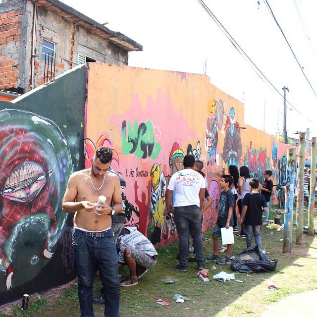8° Arte e Cultura na Kebrada Vila Mara - São Paulo #8arteeculturanakebrada #streetartsp #streetartsaopaulo #streetarbrazil #sampagraffiti #graffitimagazine #dopeshotbro #DSB_Graff #streetartandgraffiti #urbanart #graffiti #grafite #coolsampa #rsa_graffiti #streetart #graffiti #grafite #streetartshots #streetartuncovered #graffitidesign #instagraff #i_support_street_art #isuportstreetart #streetartofficial #sprayart #tv_streetart #saopaulosao
