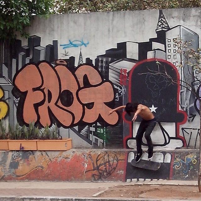 #skate #skater #grafite #graffiti #skateboard #sk8 #sampagraffiti #instagraffiti #streetartsp #sp4you # #skatelifeco #coolsampa #ruaálvarodecarvalho #centro #sp #brazil