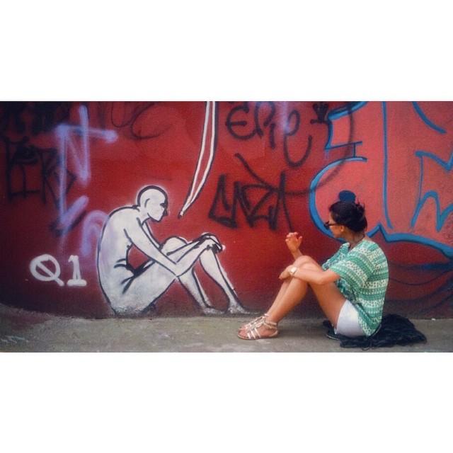 pois é, as vezes também sinto que estou sentada vendo a vida passar, é é é isso eu concordo #streetart #streetartsp #grafite